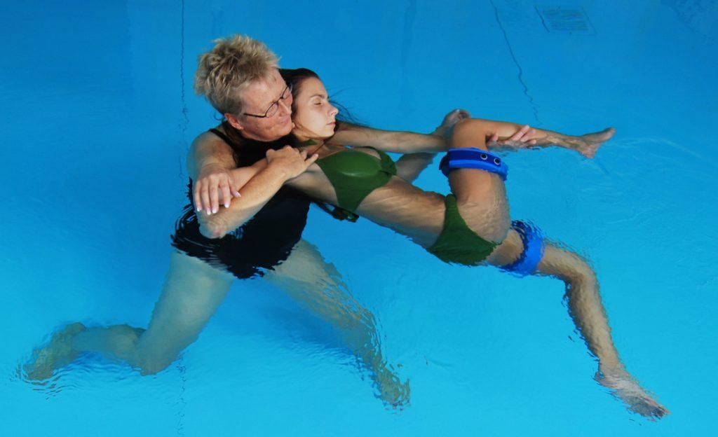 Eine Massage im Wasser.